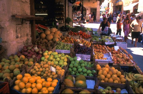 A fruit stall in Xania