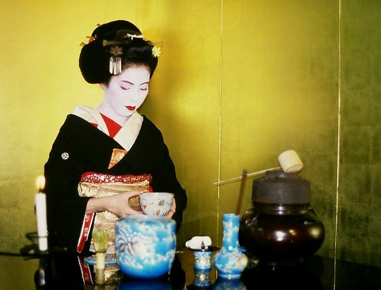 Geisha bei der Teezeremonie in Kyoto, Japan