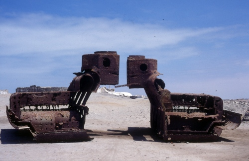 rusty tank in Arica